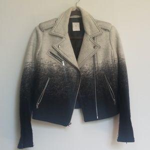 Gap jacket with gradient